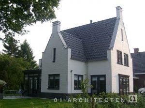 Vrijstaande woning met Engelse architectuur invloeden te Nijverdal