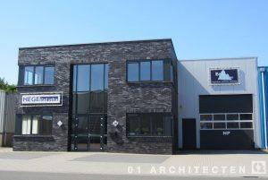 Eigentijds bedrijfspand te Nijverdal met strengpers baksteen 01 Architecten zakelijk