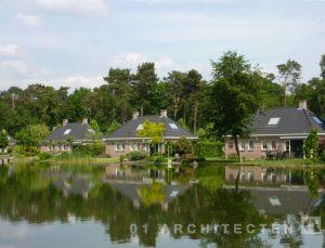 Royale recreatiewoningen aan het water, recreatiepark 't Sikkeler in Ruurlo, Gelderland 01 Architecten zakelijk