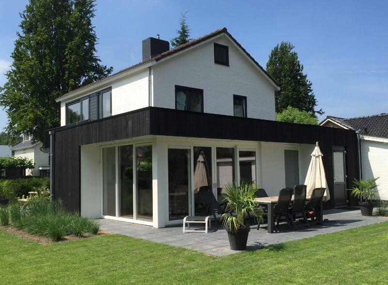Een geslaagde verbouwing van vrijstaande woning uit de for Moderne vrijstaande woning