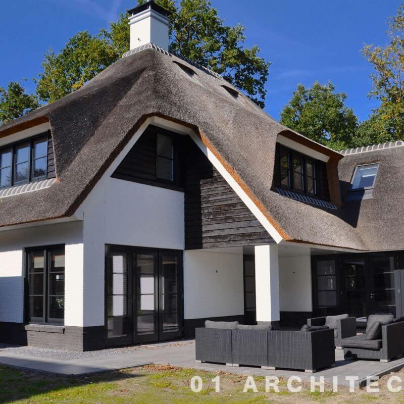 villa rieten dak veranda wit dakkapel Bloemendaal Vogelenzang