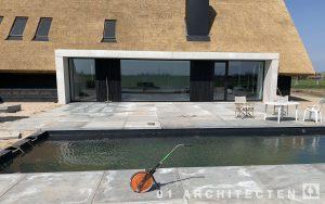 zwembad schuurwoning in aanbouw