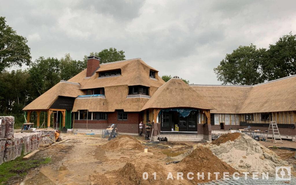 nieuwbouw landhuis in aanbouw